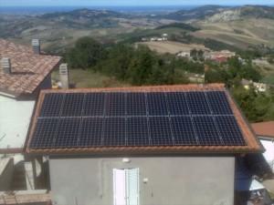 Pannelli solari su tetto a Monte Altavelio, Mercatino Conca